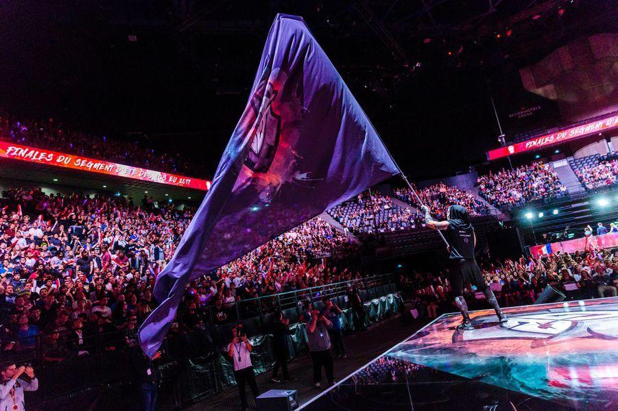 Le porte drapeau de l'équipe G2 Esports.