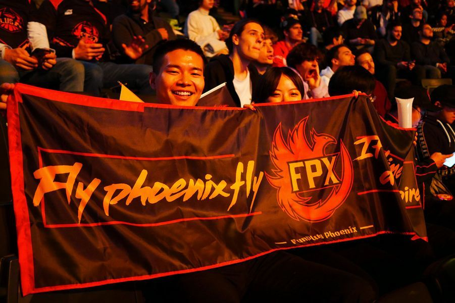 Lors de la finale des championnats du monde de League of Legends, opposant G2 Esport contre FunPlus Phoenix, à l'AccorHotels Arena de Paris, le 10 novembre 2019.