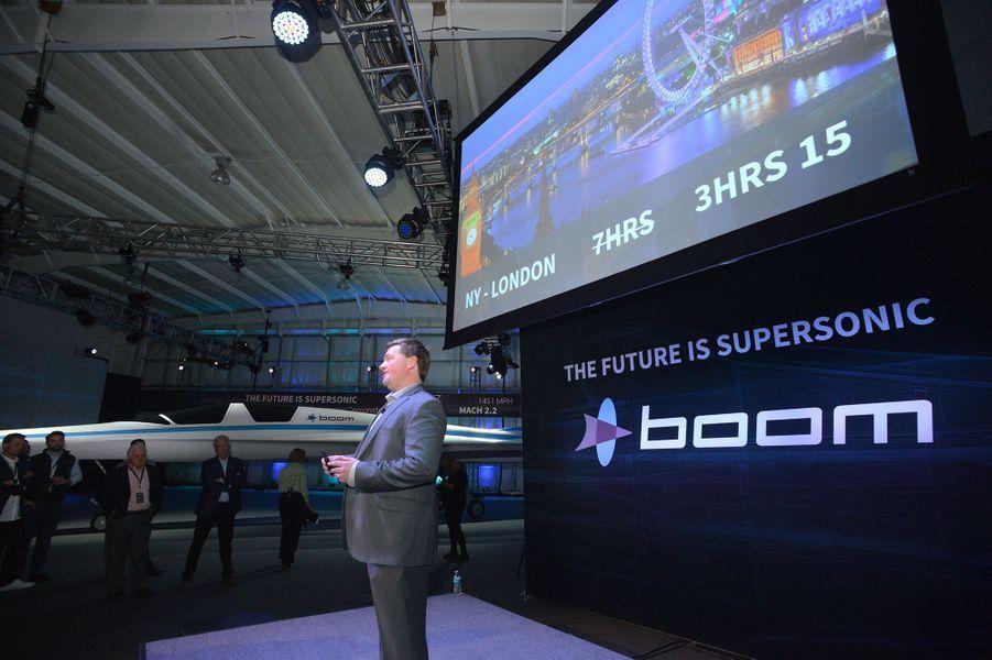 Le PDG de Boom Blake Scholl lors de la présentation à la presse