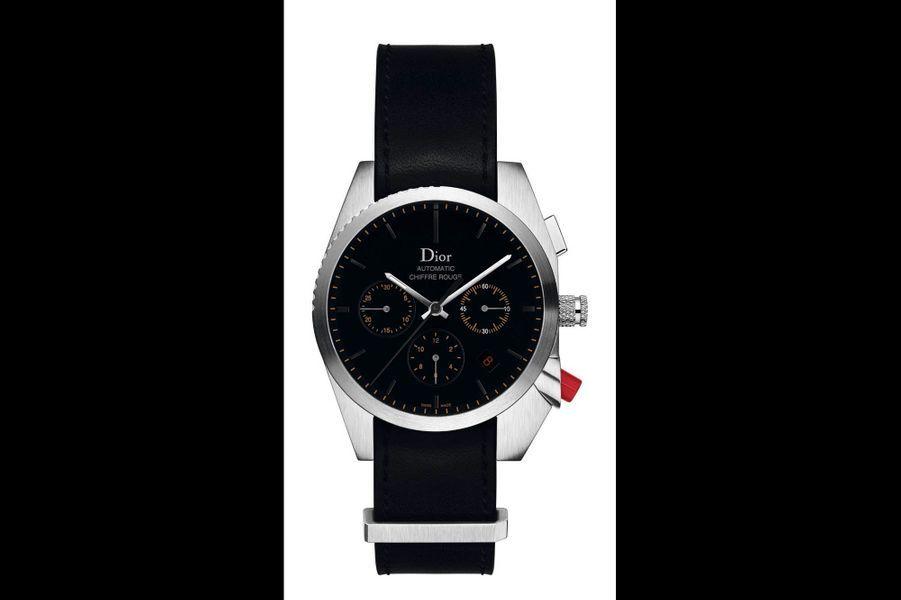 Dior renforce l'identité de son icône masculine, créée en 2004, en faisant bénéficier le mouvement automatique de la Chiffre Rouge A02 d'une certification Cosc, gage de fiabilité. Esthétiquement, le cadran gagne en lisibilité grâce à des index en appliques et deux compteurs cerclés. Revisité par Dior, le bracelet NATO, d'origine militaire, habituellement en Nylon tissé, est réalisé en veau. Boîtier en acier brossé (38 mm), réserve de marche de 42 heures, édition limitée de 100 exemplaires. 4 400 euros.