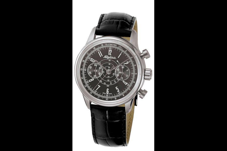 Spécialiste des montres de sports professionnelles, la marque Alpina fête 130 ans et c'est à l'aviation, où elle a aussi sa place depuis 1921, qu'elle rend hommage avec l'Heritage Pilot Chronograph. Dans l'esprit du modèle d'origine, le pourtour du cadran reproduit une échelle télémétrique, mesurant la vitesse du son dans l'air, et une échelle tachymétrique, mesurant la vitesse d'un corps en mouvement. Boîtier en acier (41,5 mm), mouvement automatique avec chronographe. 2 550 euros.