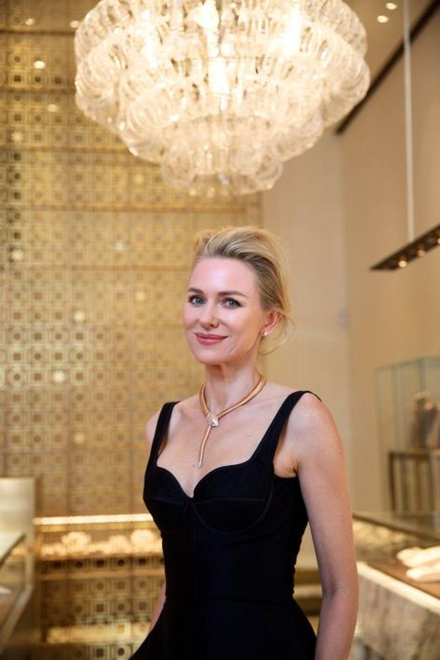 Naomi Watts illumine la nouvelle boutique Bulgari