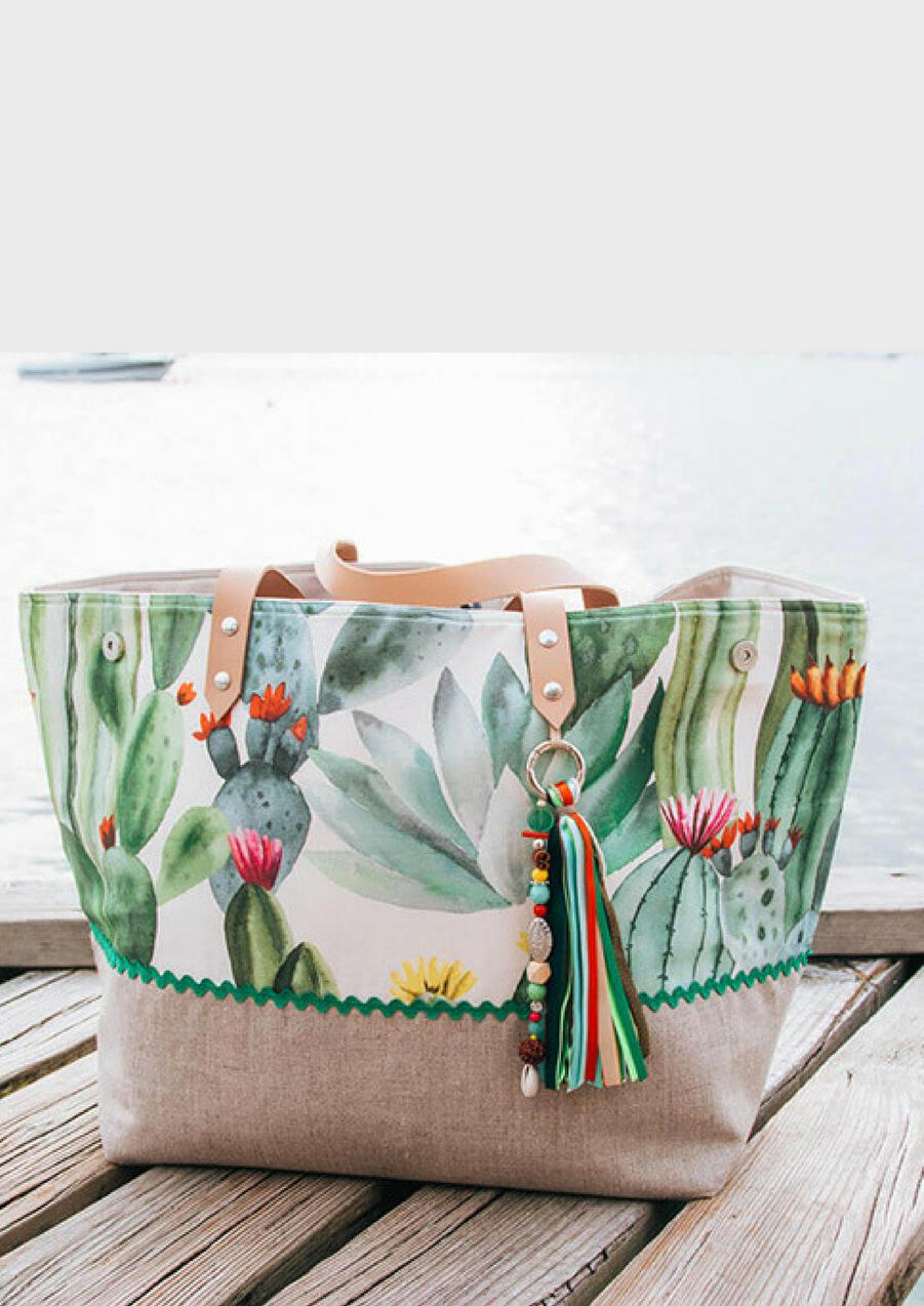 Sac de plage Maxi-cabas Deux Cent Quinze en toile de coton, 185€Voir l'épingle