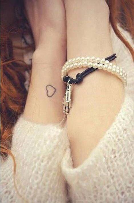 C'est un classique mais il fait toujours son petit effet pour être le symbole de l'amour.https://www.pinterest.com/pin/443182419558552282/