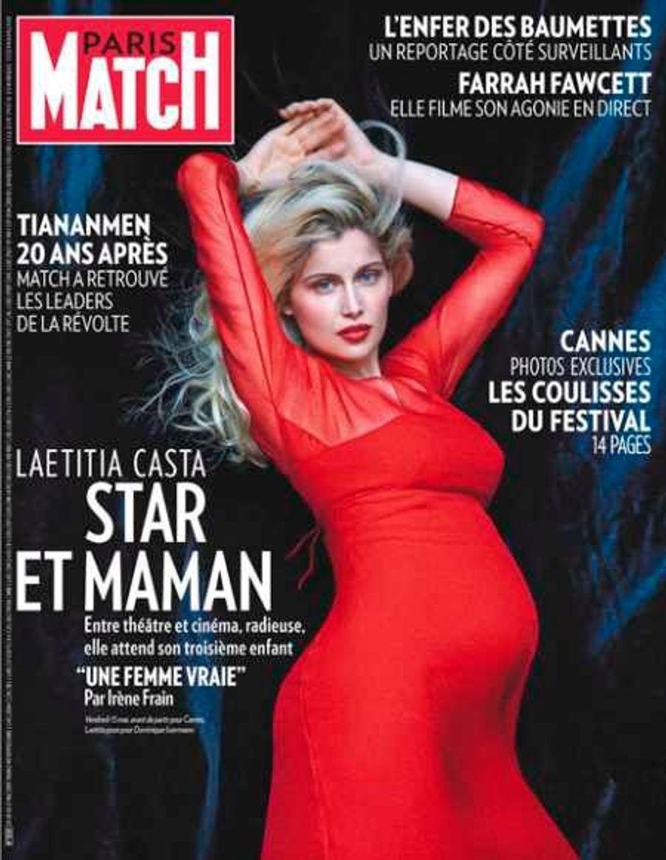 En mai 2009, Laetitia Casta, enceinte de son troisième enfant, une deuxième fille, prénommée Athena, avait fait la couverture de Paris Match.