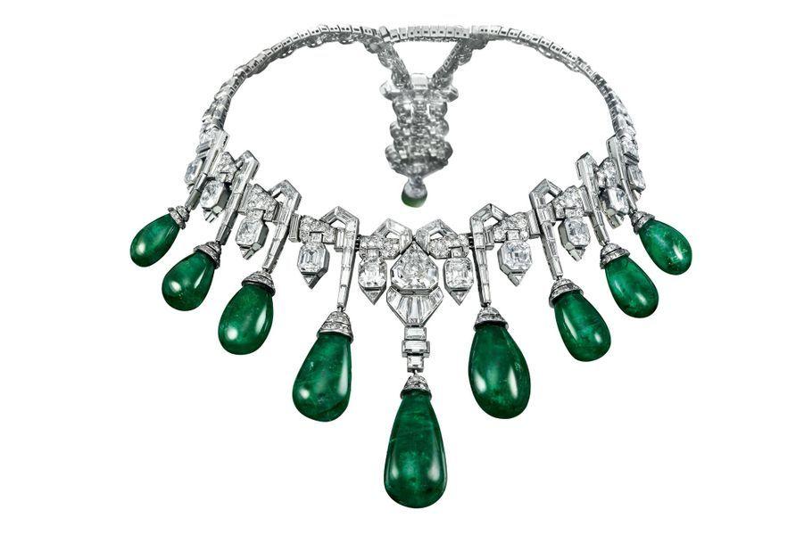 Collier en émeraudes et diamants créé par Van Clef & Arpels en 1929. Il a appartenu à la princesse Fawzia d'Egypte