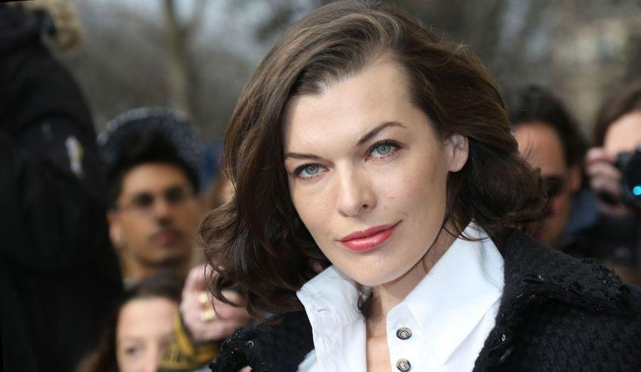 En pleine Fashion Week parisienne, les people se pressent à l'un des défilés les plus prestigieux de l'événement, celui de Chanel.