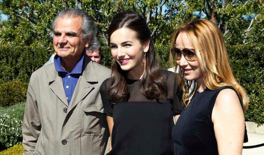 Frida Giannini (à droite, entourée de l'actrice Camilla Belle et du photographe français de mode Patrick Demarchelier), a reçu un prix pour avoir été à l'origine de la création de la ligne dont les fonds seront reversés à l'Unicef.