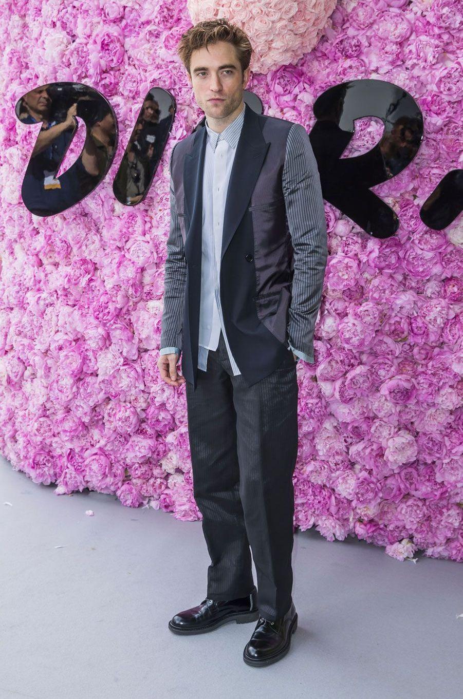 Robert Pattinson au défilé Dior Homme, printemps-été 2019 le 23 juin 2018 à Paris