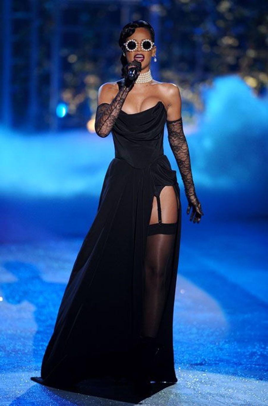 Sur le podium de Victoria's Secret (novembre 2012)