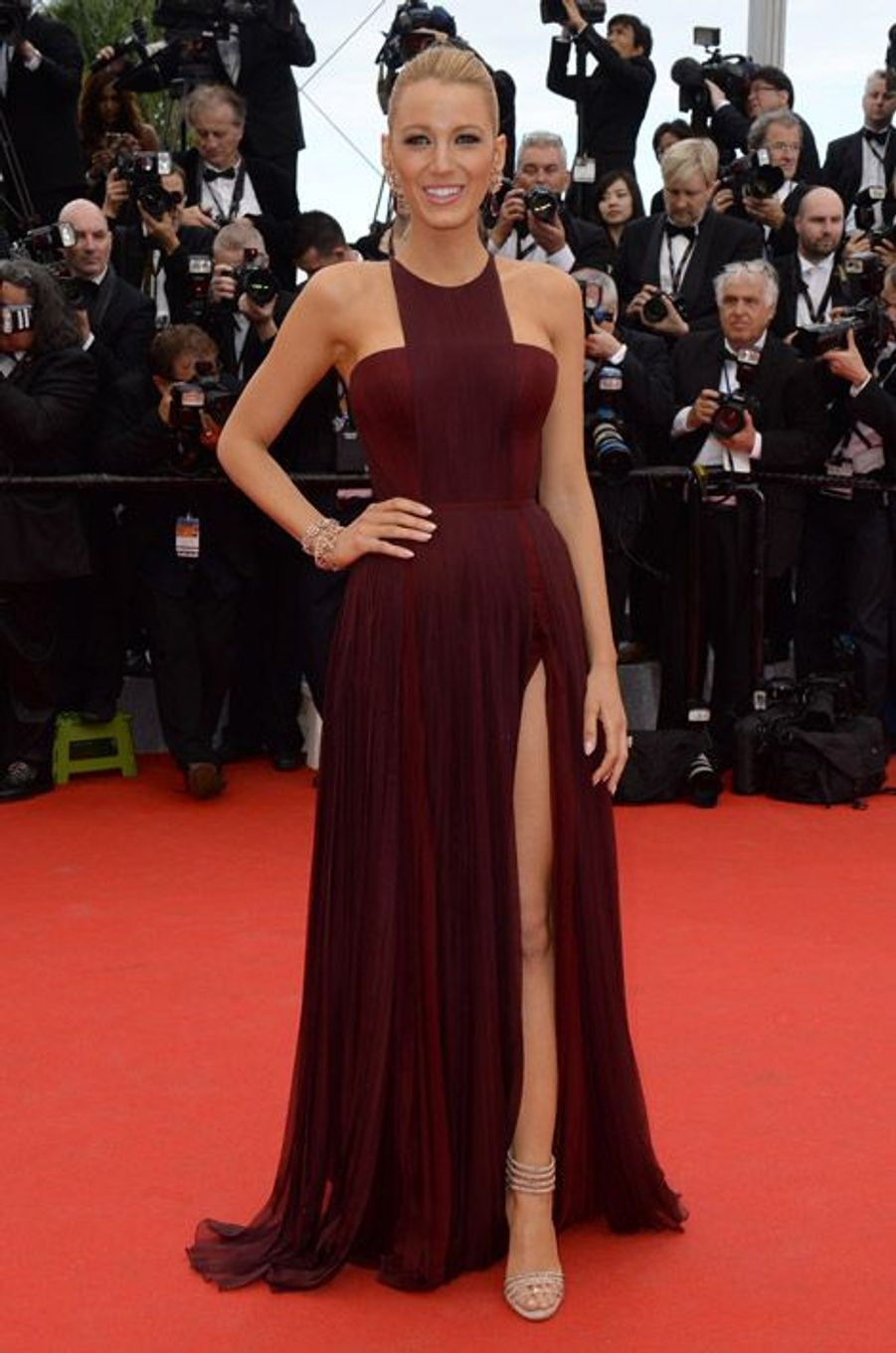 """L'actrice Blake Lively en Gucci Première pour la projection de """"Grace"""" à Cannes, le 14 mai 2014"""