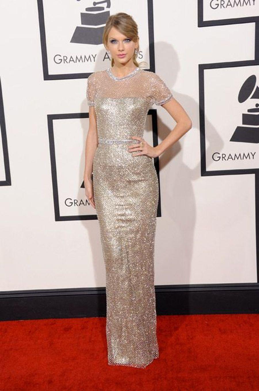 La chanteuse Taylor Swift en Gucci Première pendant les Grammy Awards à Los Angeles, le 26 janvier 2014