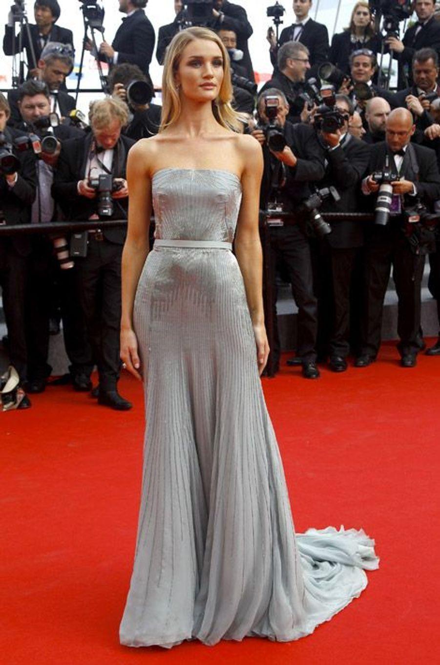 Le mannequin Rosie Huntington-Whiteley en Gucci Première au Festival de Cannes, le 21 mai 2014