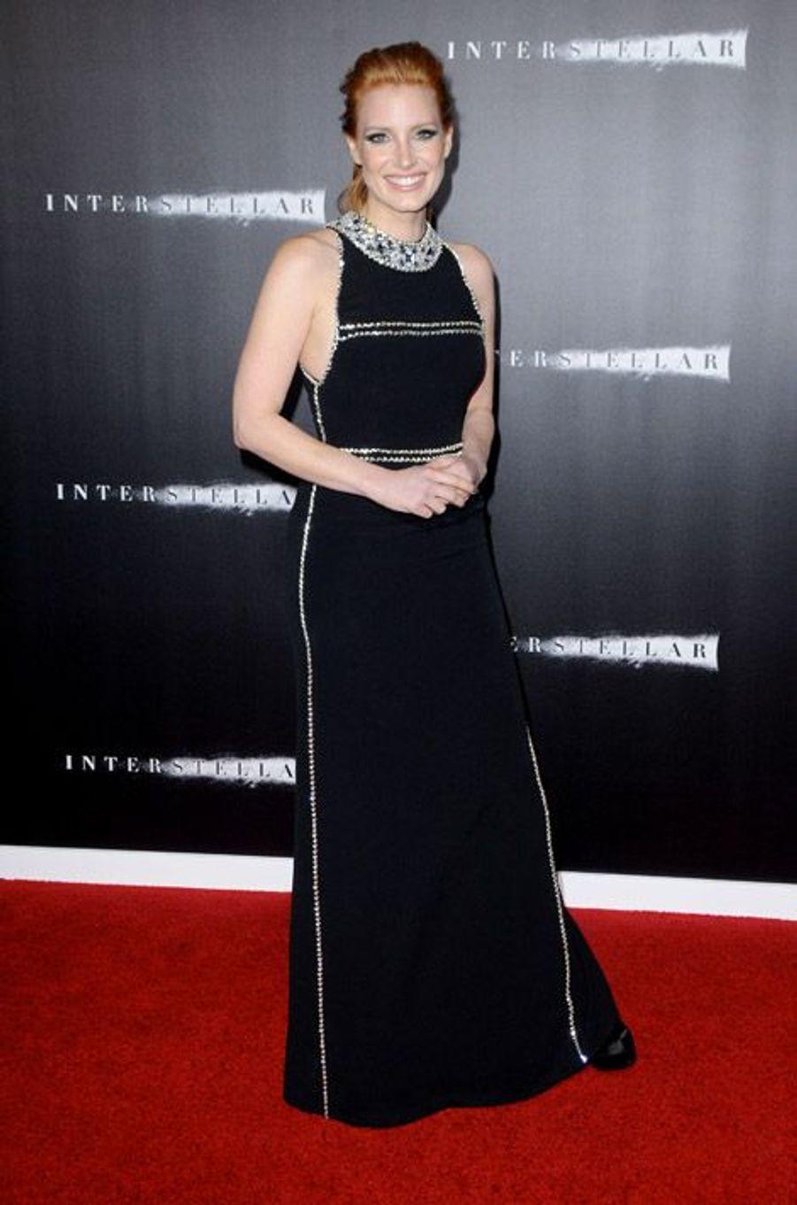 """L'actrice Jessica Chastain en Prada lors de la première du film """"Interstellar"""" à New York, le 3 novembre 2014"""