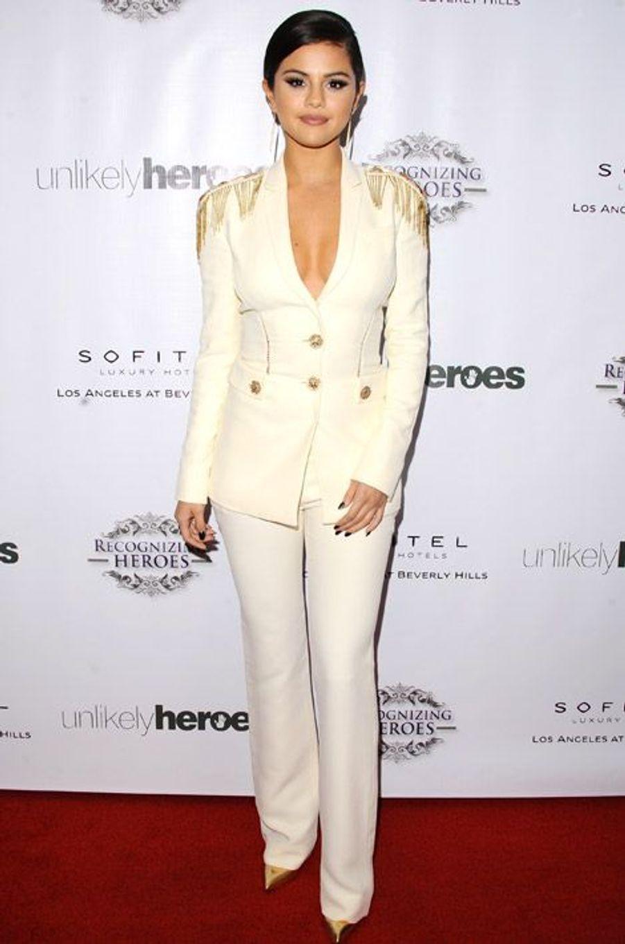 La chanteuse et actrice Selena Gomez lors de Annual Unlikely Heroes Awards Dinner à Los Angeles le 8 novembre 2014