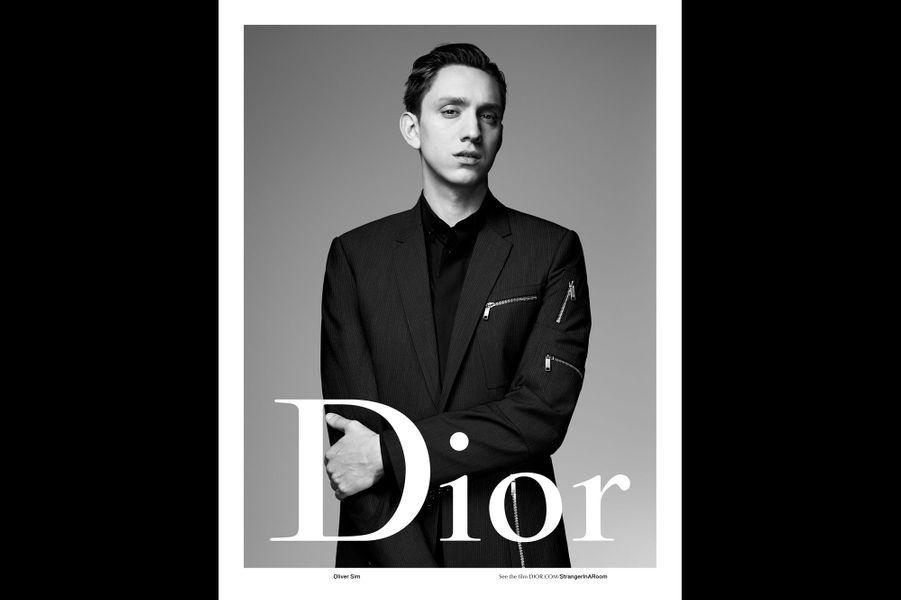 Oliver Sim pose pour Dior Homme