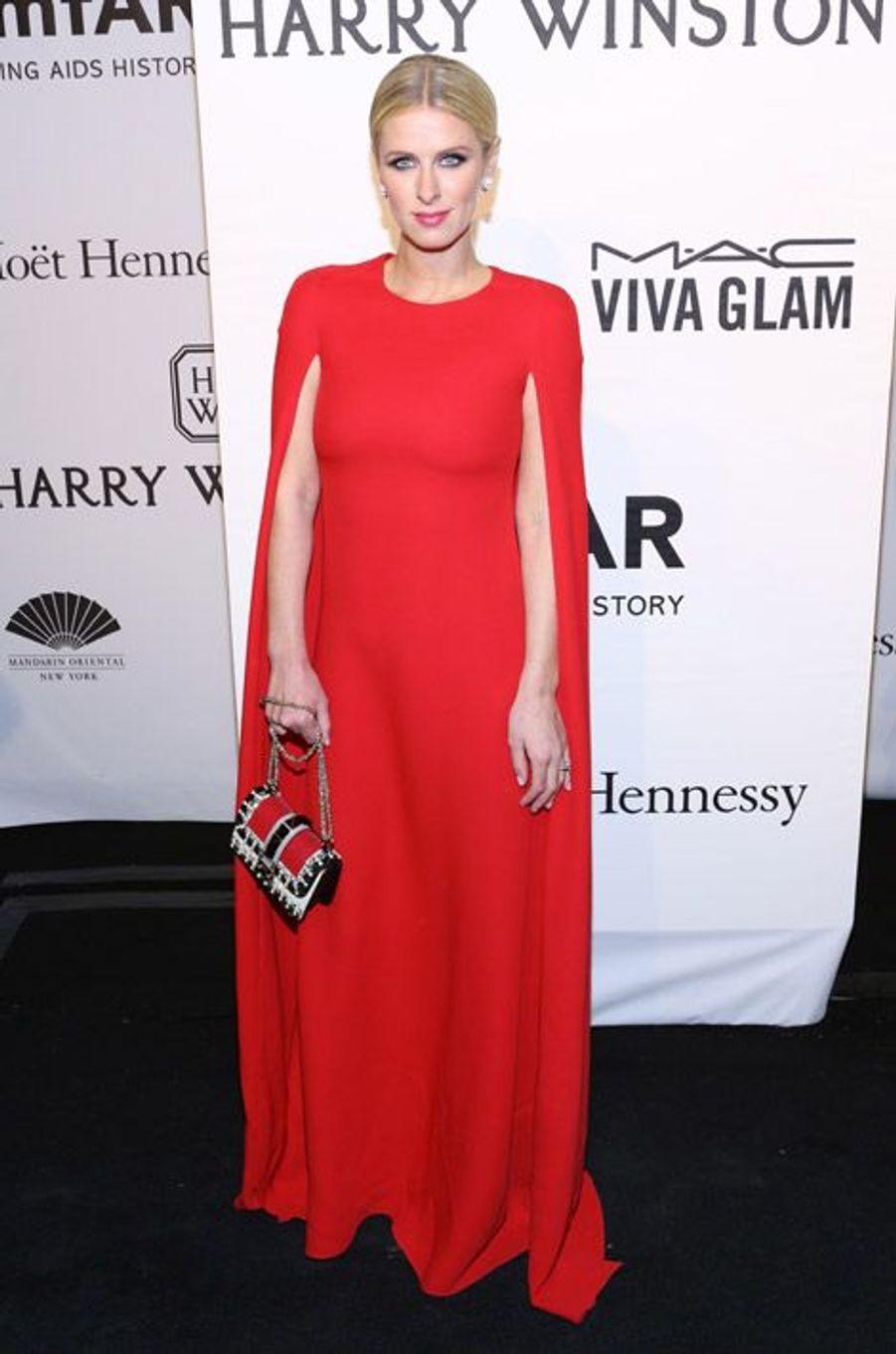 L'héritière Nicky Hilton en Ralph Lauren au gala de l'AmfAR à New York, le 11 février 2015