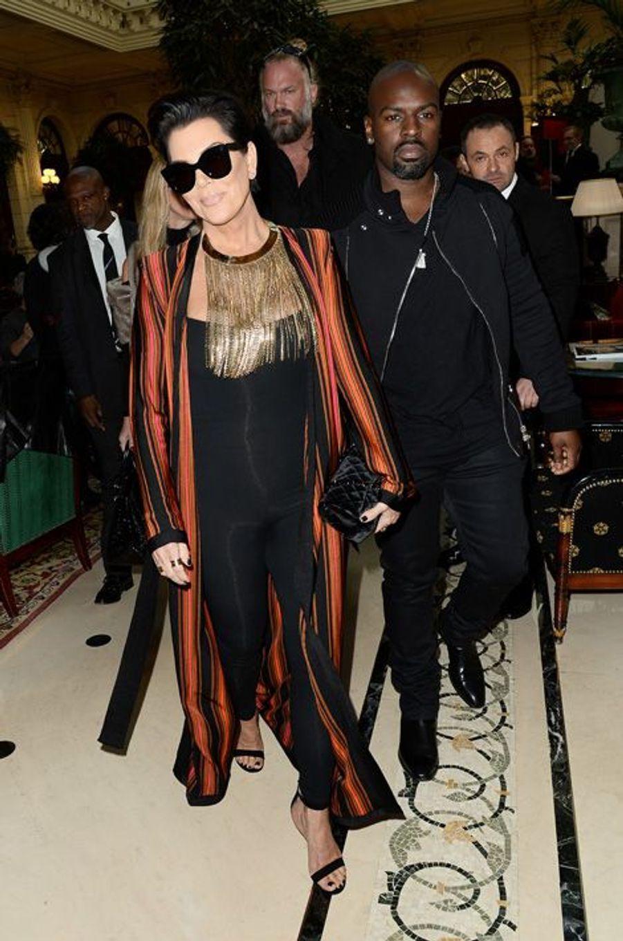 Kris Jenner au défilé Balmain