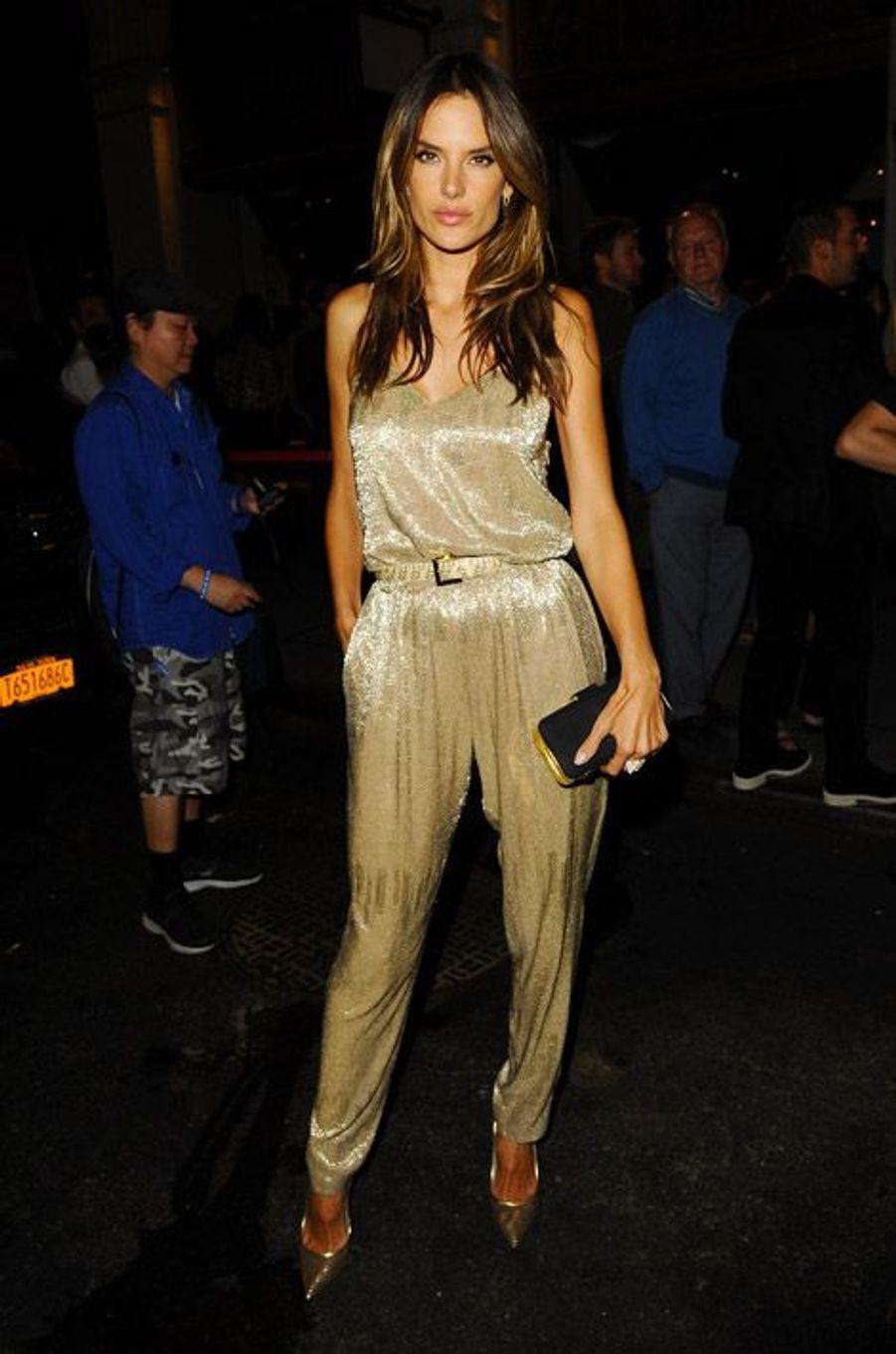 Le top model brésilien Alessandra Ambrosio en Houghton pour célébrer les 20 ans du magazine InStyle à New York, le 8 septembre 2014