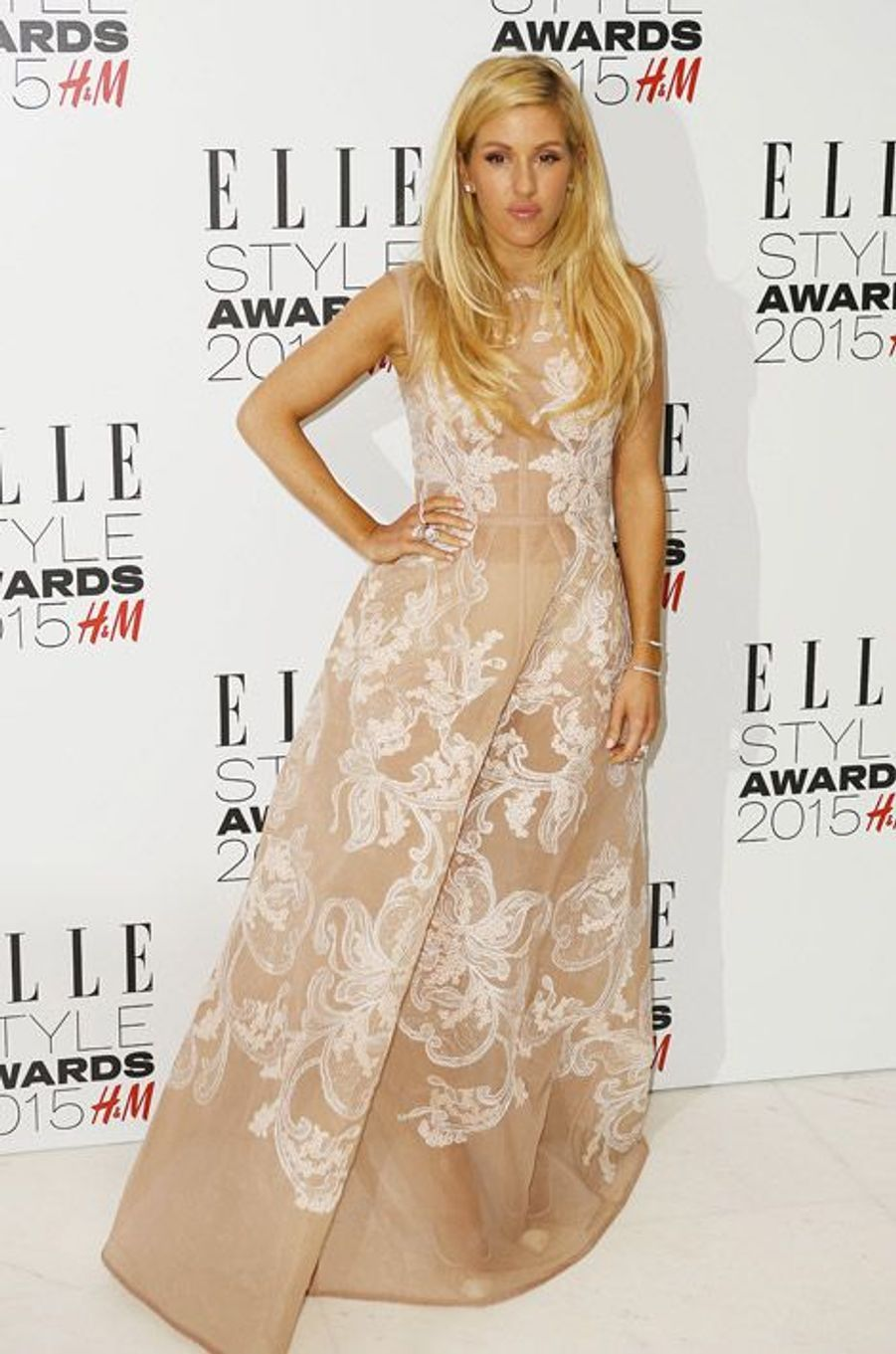 La chanteuse Ellie Goulding en Alberta Ferretti lors des ELLE Style Awards à Londres, le 24 février 2015