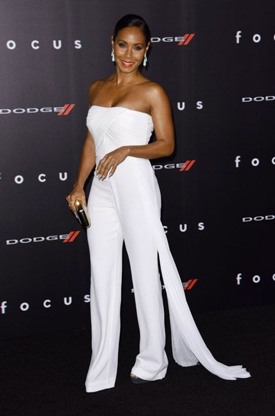 """La femme de Will Smith, Jada Pinkett Smith, en Azzaro Couture lors de la première de """"Focus"""" à Hollywood, le 24 février 2015"""