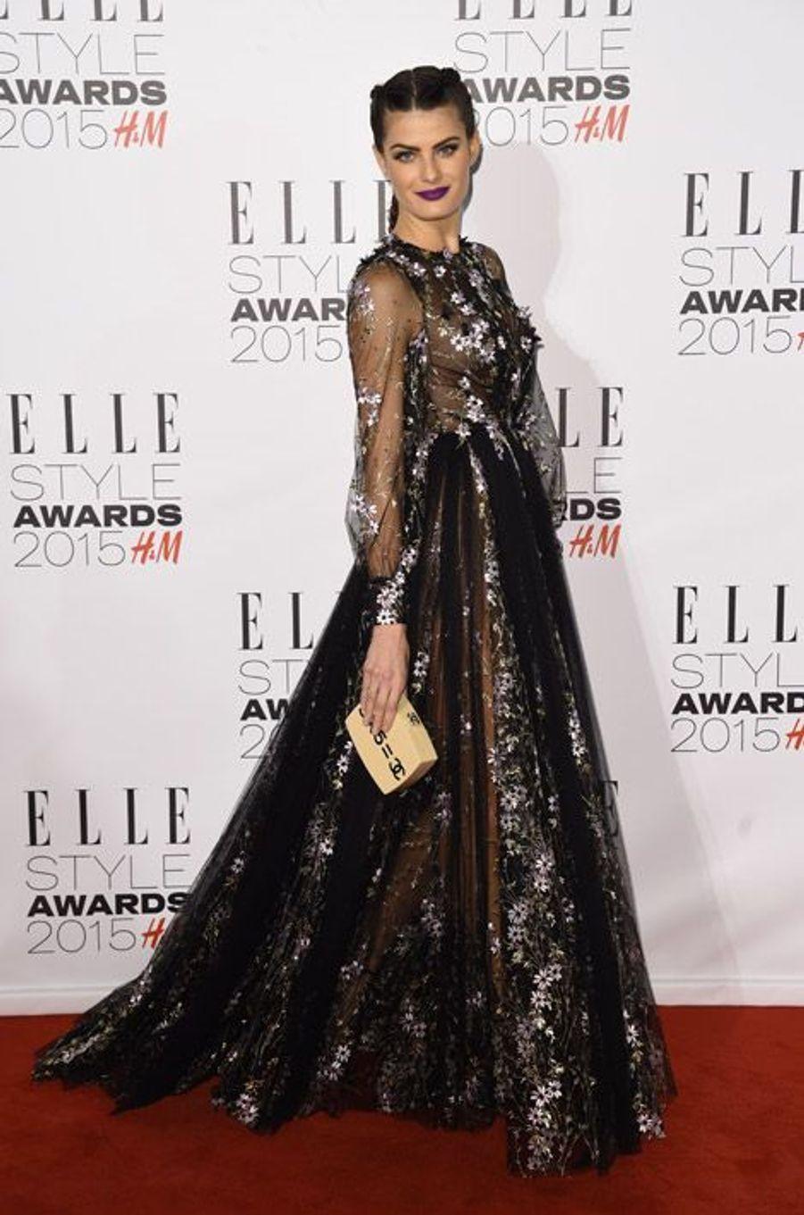 Le mannequin Isabeli Fontana en Ralph & Russo lors des ELLE Style Awards à Londres, le 24 février 2015