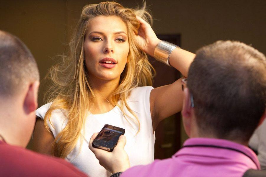 En Interview en marge du concours Miss Univers à Miami