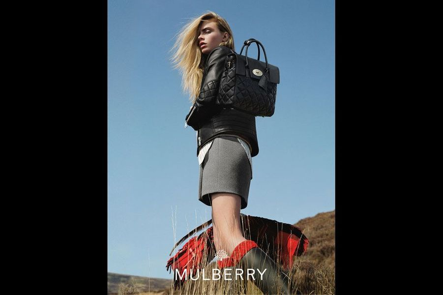 Le sac Cara est le fruit de sa collaboration avec Mulberry.