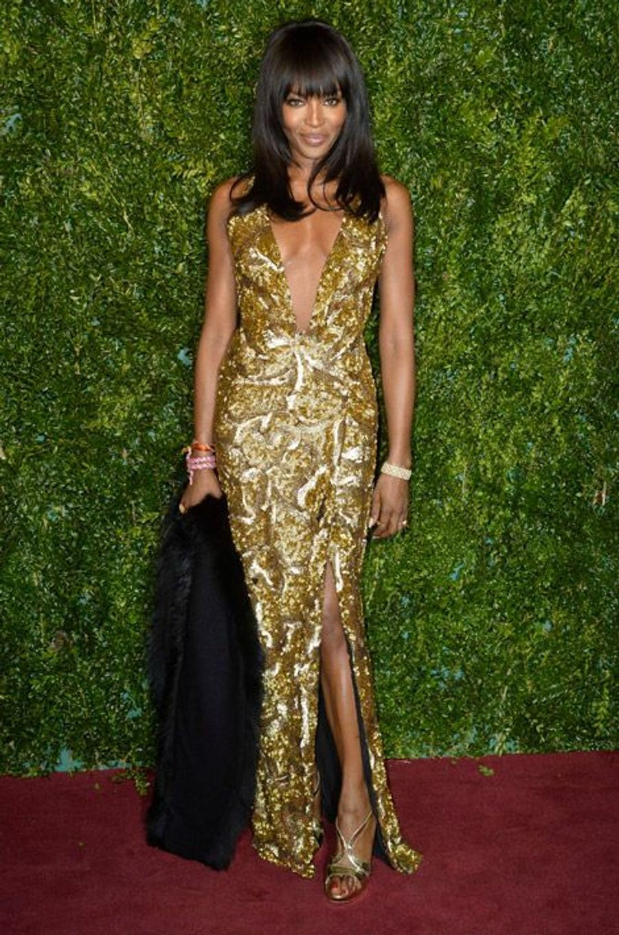 Gold : le mannequin Naomi Campbell à Londres, le 30 novembre 2014