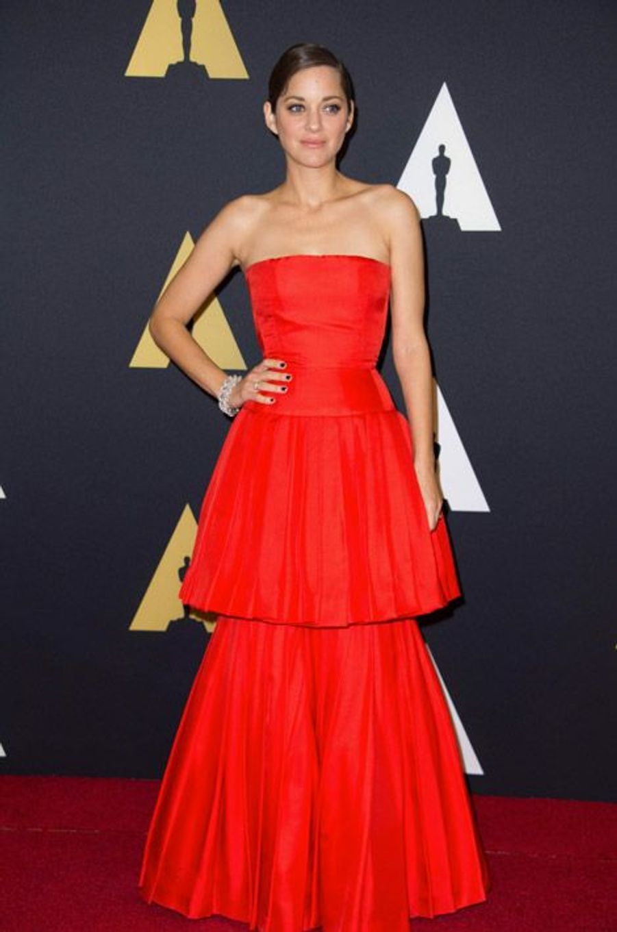 Le rouge : Marion Cotillard lors des Governors Awards à Hollywood, le 8 novembre 2014
