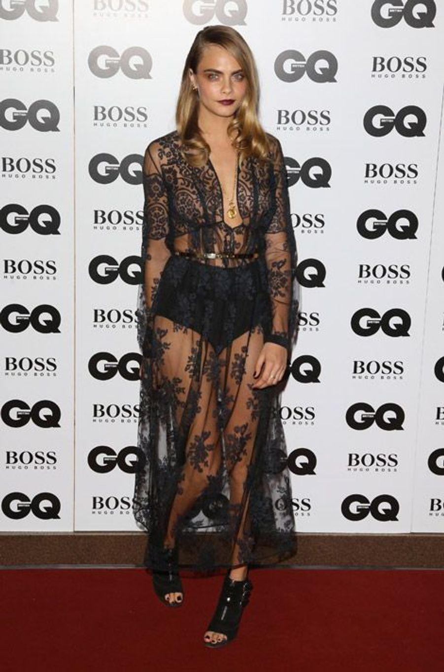 Transparence : le mannequin Cara Delevingne lors de la soirée GQ à Londres, le 2 septembre 2014