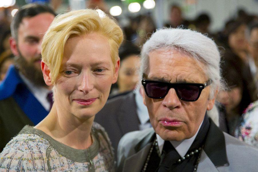 Karl Lagerfeld et Tilda Swinton défilé Croisière de Chanel a eu lieu à Séoul lundi