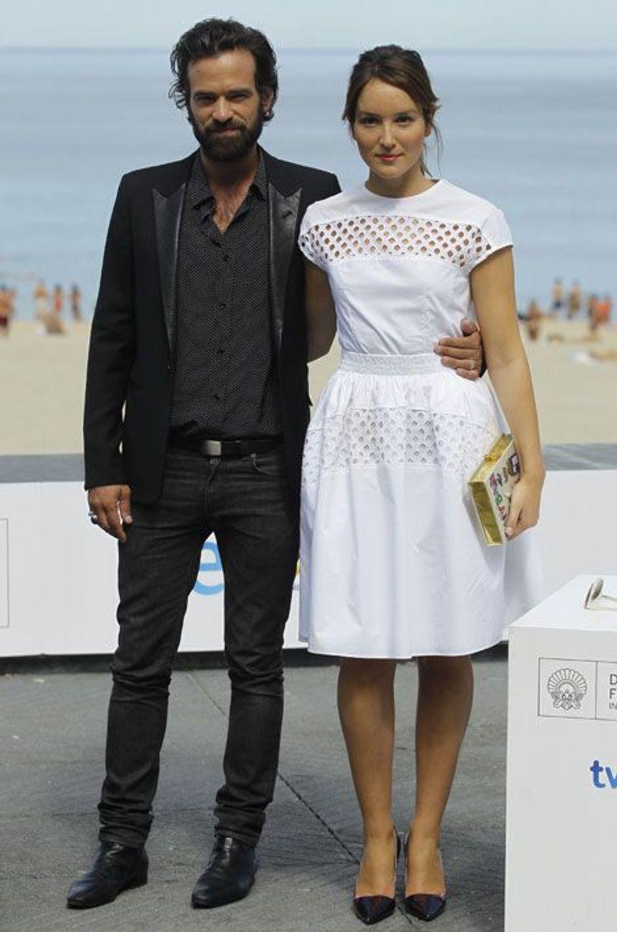 """Romain Duris et Anaïs Demoustier pour le photocall du film """"Une nouvelle amie"""", de François Ozon, le 20 septembre 2014, à San Sebastian en Espagne"""