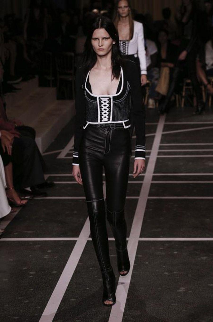 Défilé Givenchy printemps-été 2015 à Paris, le 28 septembre 2014