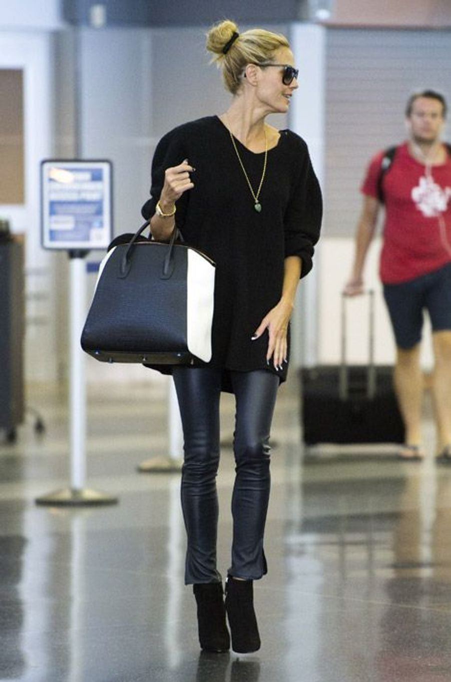 Le top model Heidi Klum à l'aéroport JFK de New York, le 15 septembre 2014