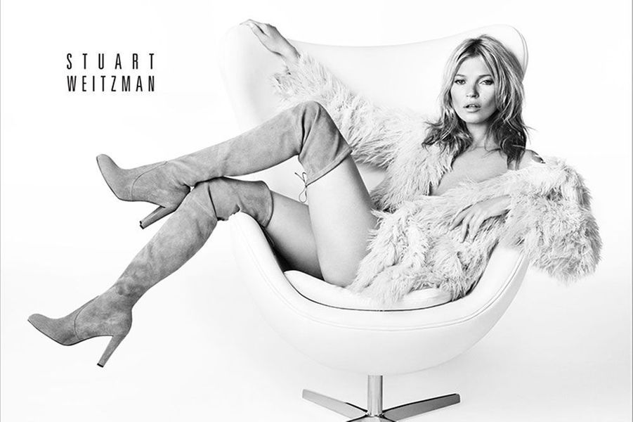 Kate Moss pose pour les chaussures Stuart Weitzman pour la campagne 2013