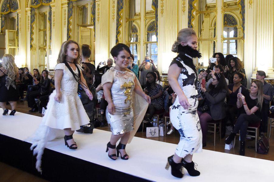"""Un défilé pour """"renverser les diktats"""" de la mode"""