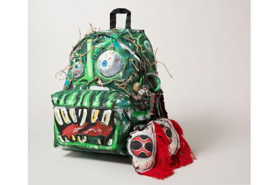 Avec le sac de Scooter Laforge, l'humour est au rendez-vous. Son sac à dos monstre est effroyablement drôle !