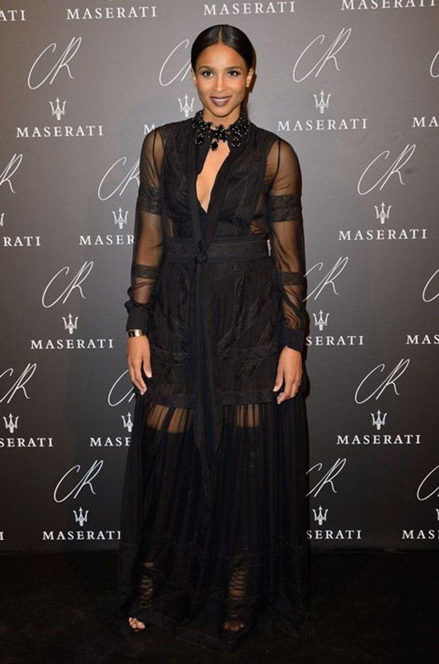 """La chanteuse Ciara en Givenchy lors de la soirée """"CR Fashion Book"""" à Paris, le 30 septembre 2014"""