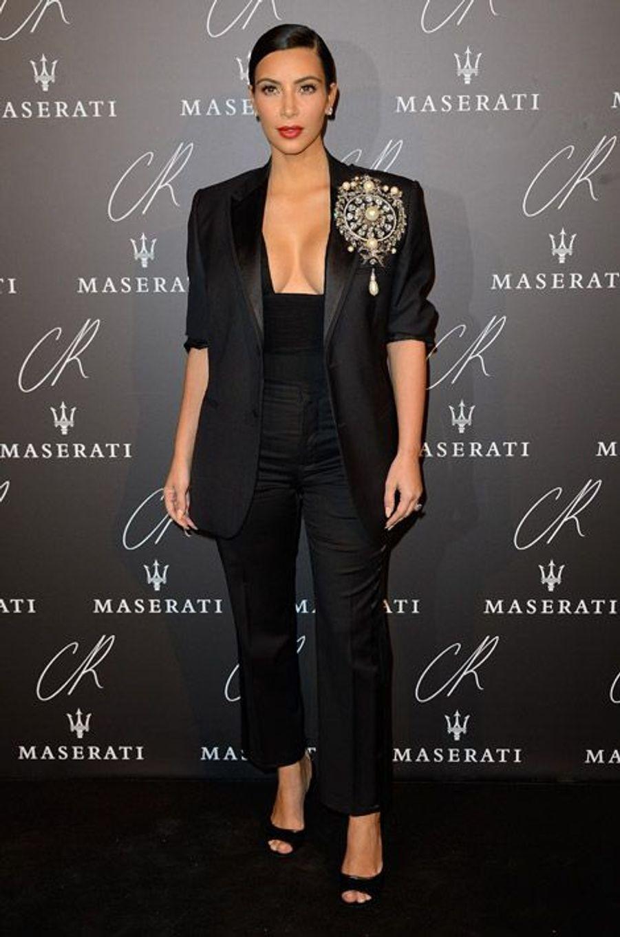 """La star de la téléréalité, Kim Kardashian, en Givenchy à la soirée """"CR Fashion Book"""", le 30 septembre 2014 à Paris"""