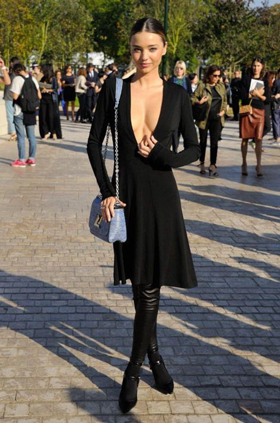 Le mannequin australien Miranda Kerr au défilé Louis Vuitton à Paris, le 1er septembre 2014
