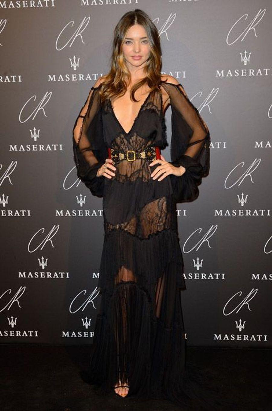 """Le top australien Miranda Kerr en Emilio Pucci à la soirée """"CR Fashion Book"""", le 30 septembre 2014 à Paris"""