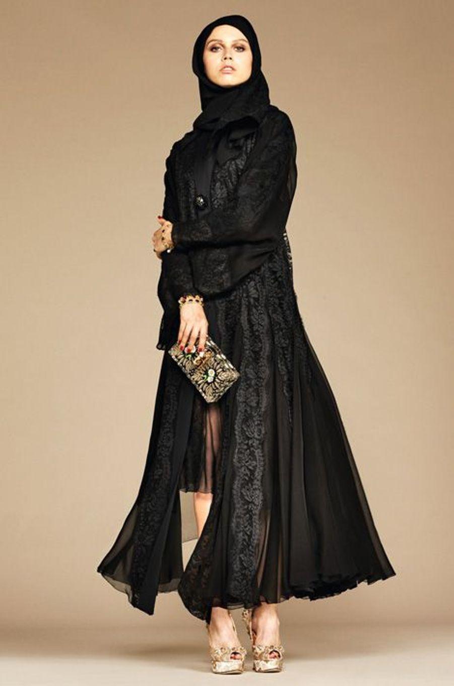 Dolce & Gabbana sort une collection de foulards et d'abayas