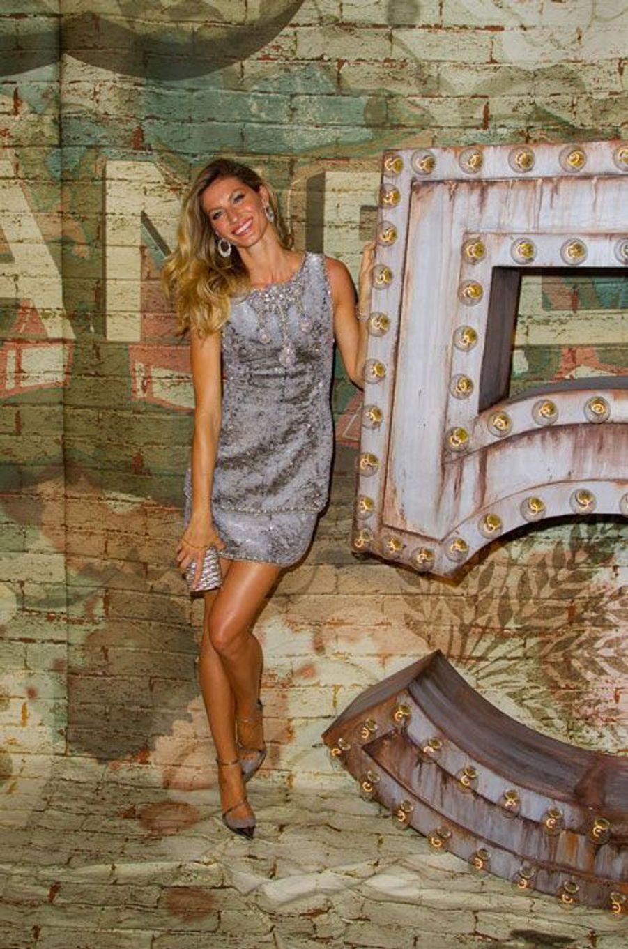La Supermodel Gisele Bündchen égéréie du nouveau parfum Chanel n°5 lance la nouvelle campagne à New York, le 13 octobre 2014