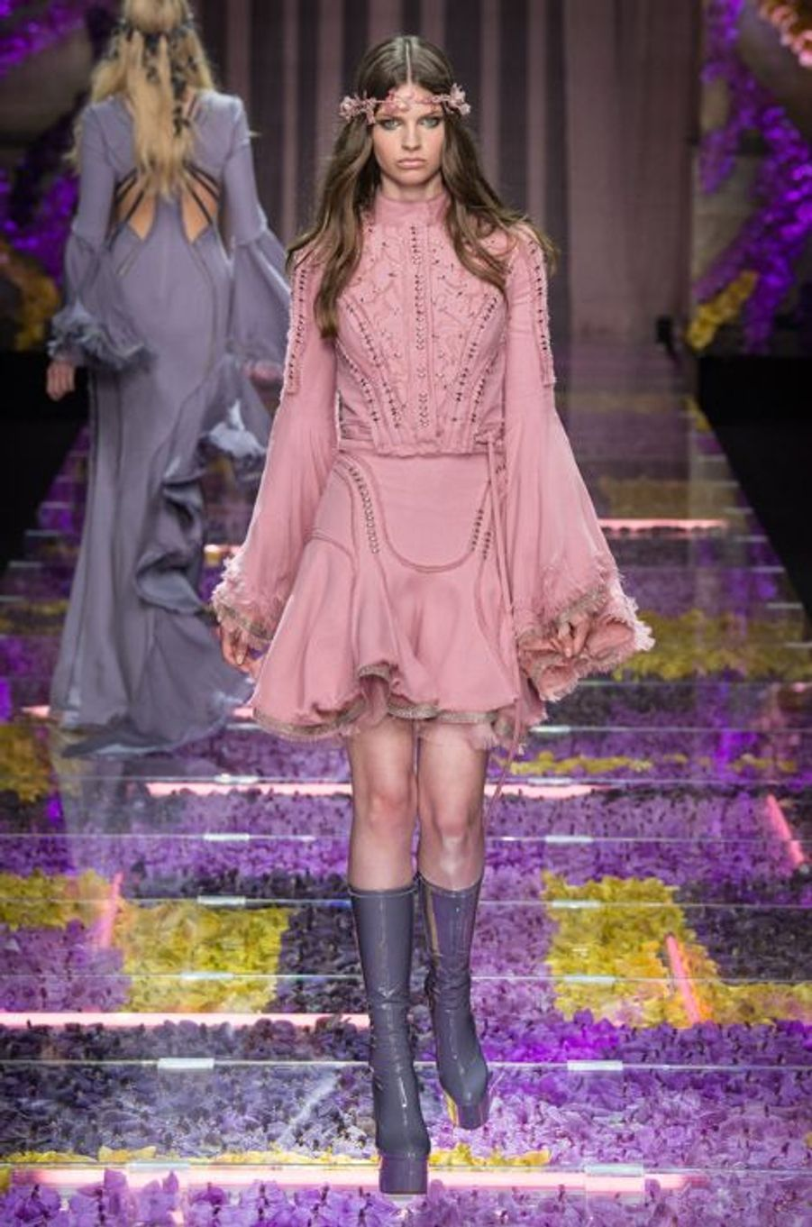 Les vestales modernes d'Atelier Versace, à la Fashion week Haute-Couture de Paris