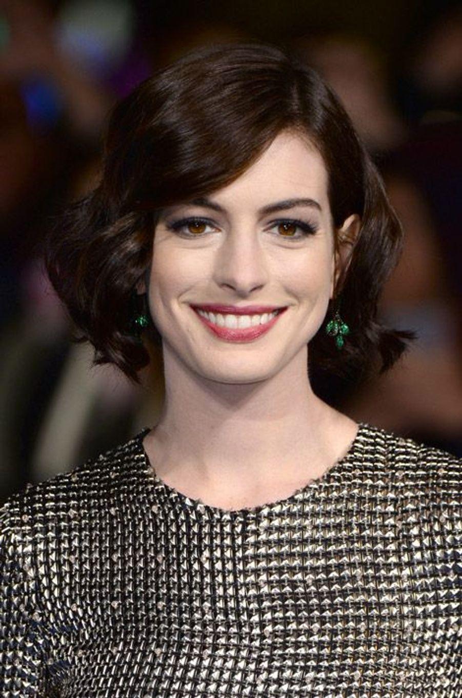"""L'actrice Anne Hathaway lors de la première du film """"Interstellar"""" à Londres, le 29 octobre 2014"""