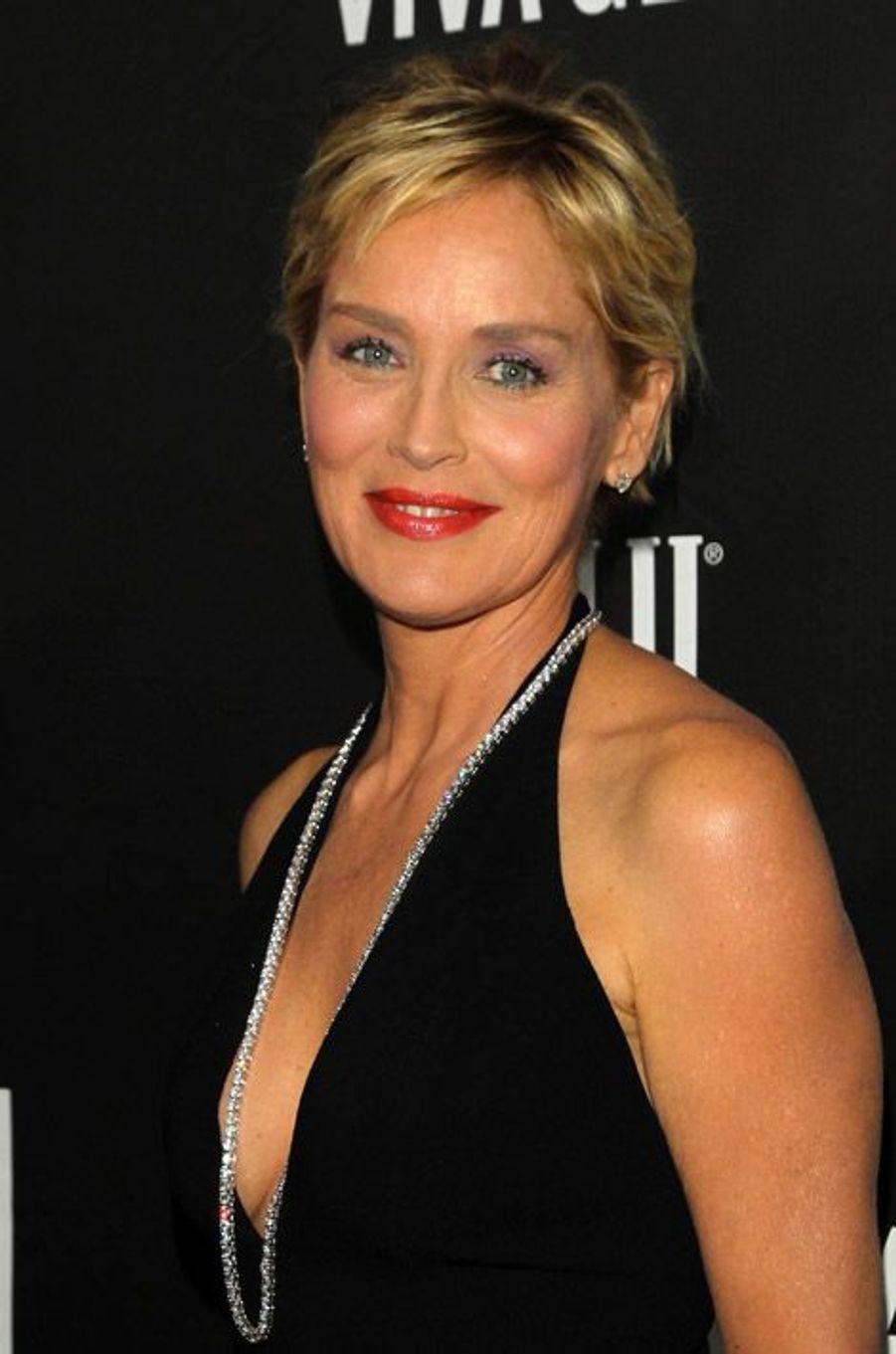 L'actrice Sharon Stone lors du gala de l'AmfAR pour la lutte contre le sida, à Los Angeles, le 29 octobre 2014
