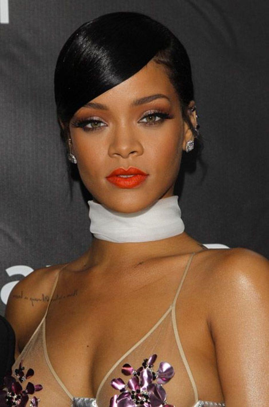 La chanteuse Rihanna lors du gala de l'AmfAR pour la lutte contre le sida, à Los Angeles, le 29 octobre 2014
