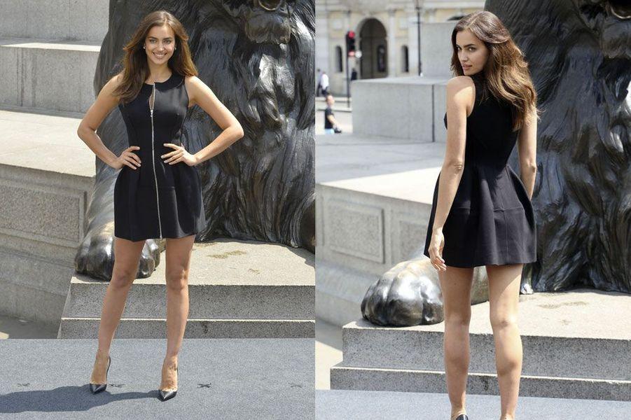 """En robe noire courte et zippée Azzedine Alaïa pour la première de """"Hercule"""" à Londres, le 2 juillet 2014"""
