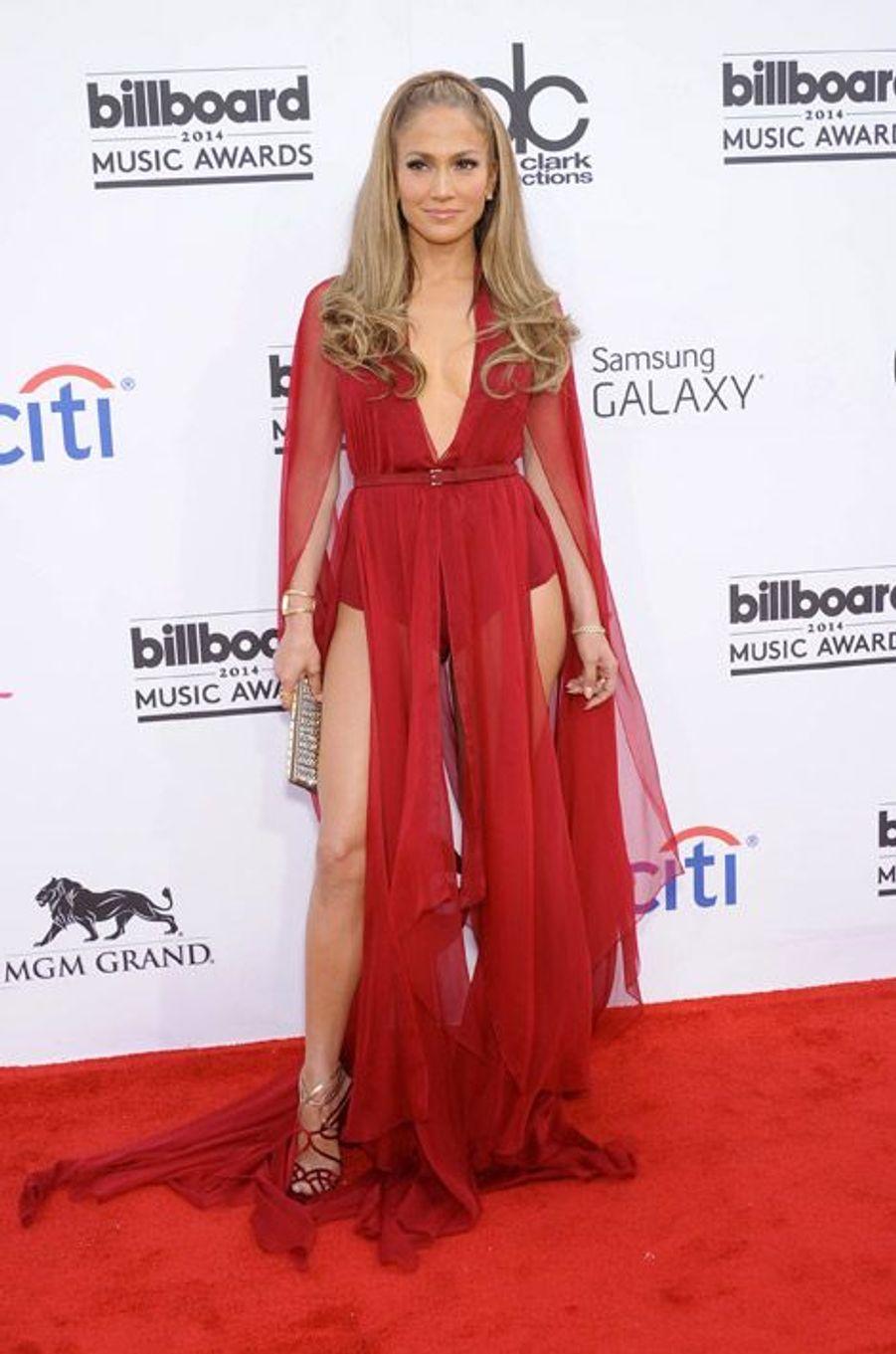 La chanteuse Jennifr Lopez en Donna Karan à la soirée Billboard Music Awards à Las Vegas, le 18 mai 2014